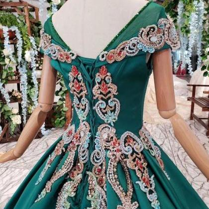 Green Ball Gown Appliqued Prom Dres..