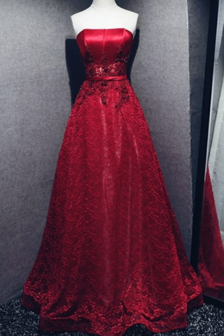 The new red lace evening party dress sale of the hairline Strapless women's formal dress ball gown