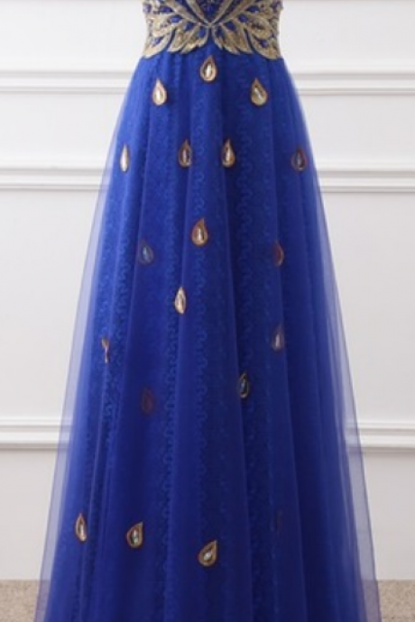 An elegant royal blue red hairline embroidered lace v-necker sleeve with a luxurious pink evening gown