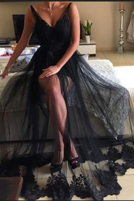 Long Black Tulle Prom Dresses A-line V Neck Evening Dresses Backless Formal Gowns Sexy Party Pageant Dresses with Appliques