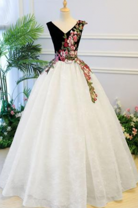 Puffy V Neck Lace Prom Dress with Appliques, Cheap Lace Quinceanera Dress