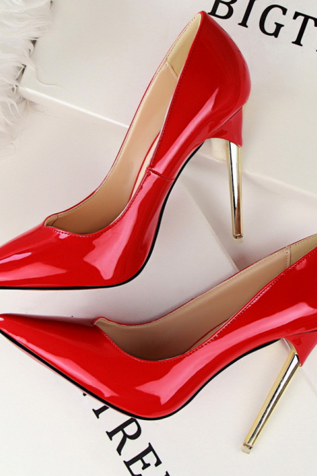 Pointed Toe Patent Leather Stiletto Pumps